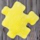 Poduszka dekoracyjna minky puzzle żółta