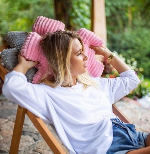 dekoracyjne poduszki kolorowe do ogrodu