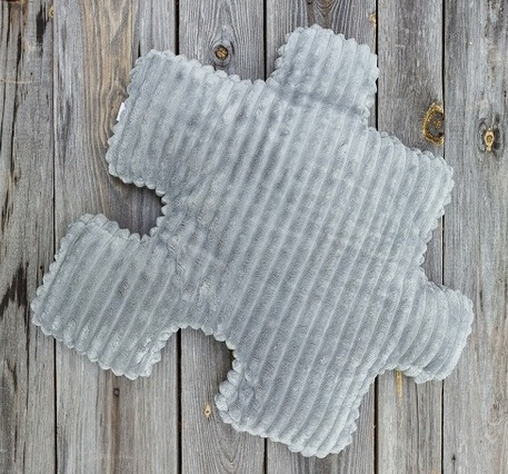Dekoracyjna szara poduszka minky puzzel szara