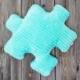 Turkusowa, dekoracyjna poduszka minky puzzel turkusowa