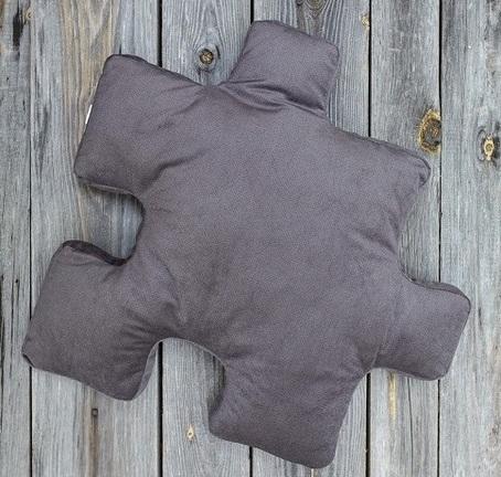 poduszka dekoracyjna do salonu w szarym kolorze