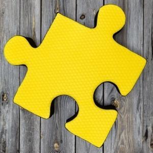 Poducha do ogrodu w kształcie puzzla