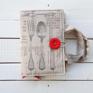 Ręcznie szyta kuchenna okładka na książkę dla kucharza i miłośnika gotowania