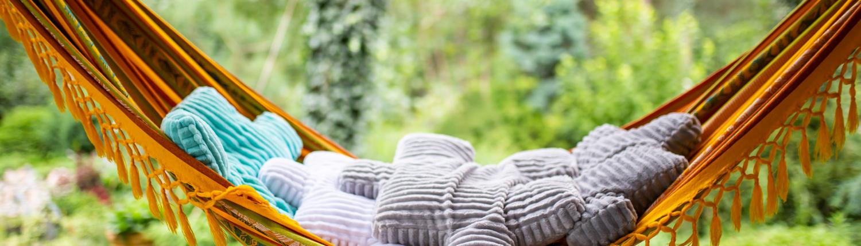 Puszyste dekoracyjne poduszki minky puzzle