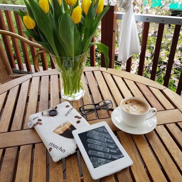 Etui z materiału na czytnik z motywem kawy