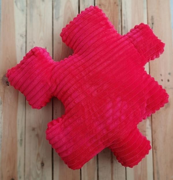 Poduszka dekoracyjna Minky puzzel czerwony