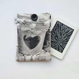 Romantyczne czarno - białe etui szyte ręcznie na czytnik e-booków Nice Time sklep