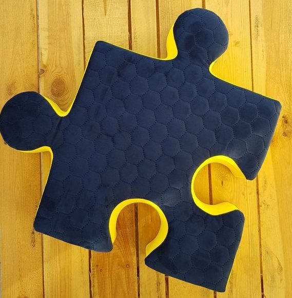 Puzzle cushion quilted navy velour