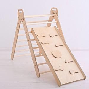 Drewniana drabinka z dodatkową rampą do ćwiczeń dla dziecka